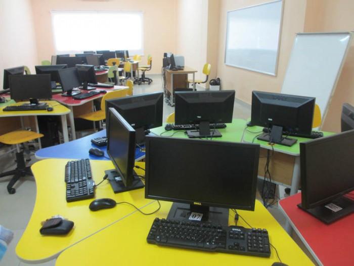 SIS @ Saigon South IT room
