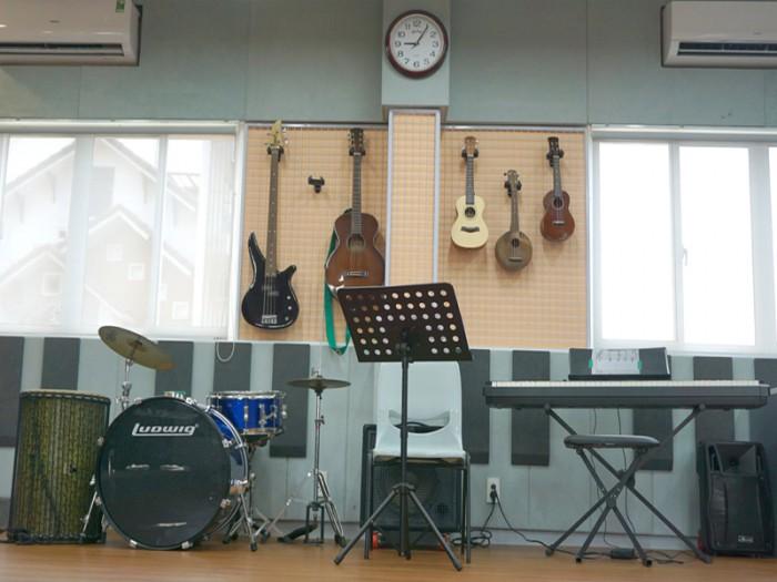 SIS@SS Music Room01